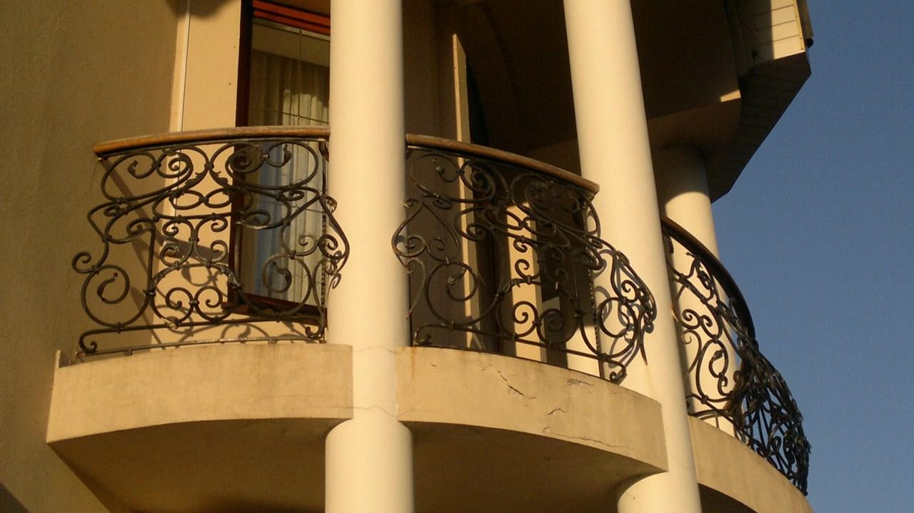 Ограждения балконов - двери металлические в москве и подмоск.