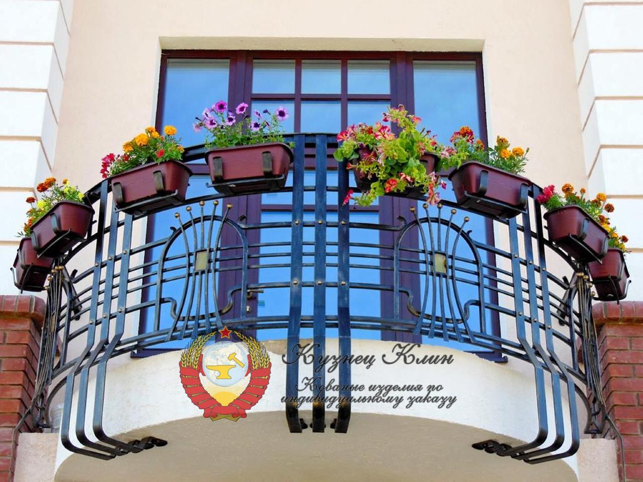 Кованые балконы открытые
