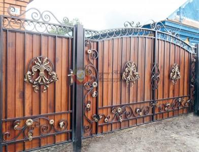 Кованые ворота и калитки готовые